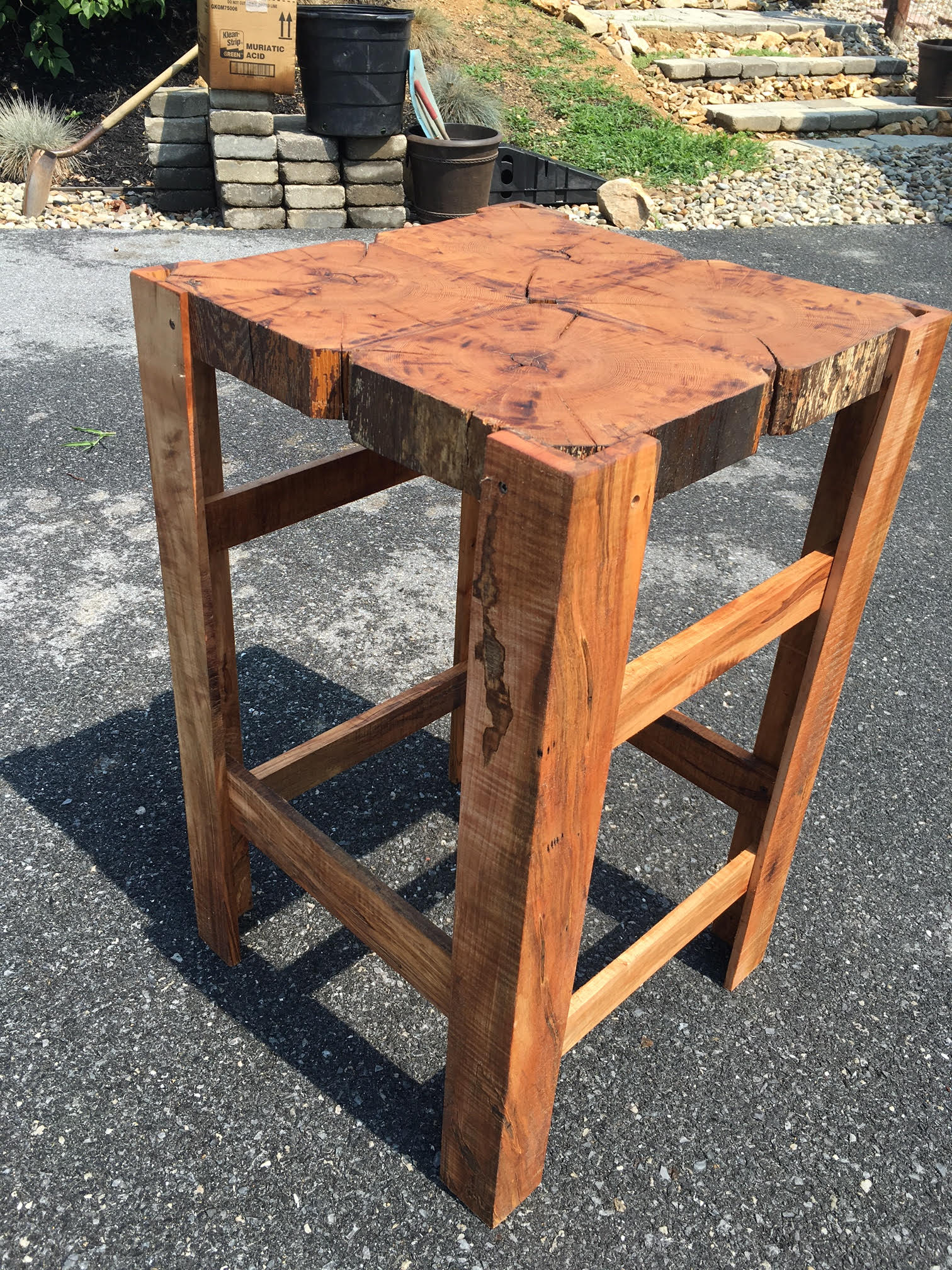 Accent Table Side